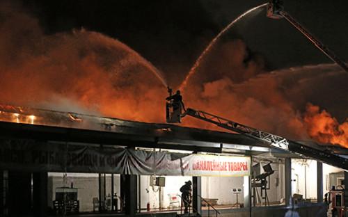 <p>Тушение пожара на&nbsp;складе искусственных цветов и&nbsp;пластиковой посуды на&nbsp;Амурской улице</p>  <p></p>