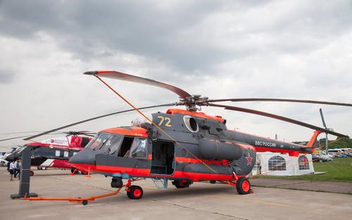 <p>Вертолет Ми-8АМТШ-ВА был создан для работы в северных регионах страны при температурах до минус 60&deg;С. Название &laquo;Терминатор&raquo; получил его прототип, который показывали на авиасалоне в Фарнборо. Вертолет оснащен системой подогрева агрегатов трансмиссии, благодаря которой при отрицательных температурах можно запустить двигатели вертолета на открытом воздухе. Для полетов в условиях местности без ориентиров или полярной ночи он оснащен цифровым автопилотом и инерциальной системой навигации, для работы которой не нужны спутниковые сигналы.</p>  <p>Дальность полета &mdash; более 1400 км (при установке дополнительных баков). Продолжительность полета &mdash; более 7 часов.</p>