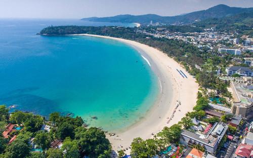 Вид на пляж Ката на Пхукете, Таиланд