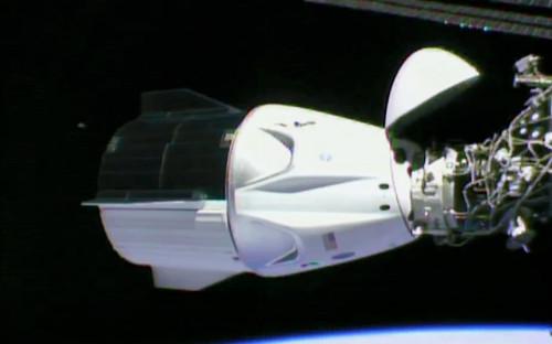 <p>Стыковка&nbsp;Crew Dragon&nbsp;с Международной космической станцией<br /> &nbsp;</p>