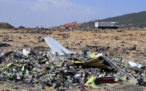 На месте крушения пассажирского лайнера Boeing 737 MAX 8