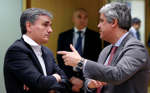 Министр финансов ГрецииЭвклид Цакалотос (слева) иМарио Сентено