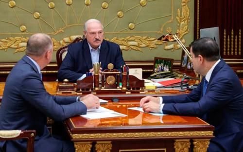 Иван Носкевич, Александр Лукашенко (в центре) и Валерий Вакульчик (справа)