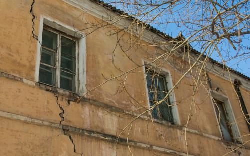 Аварийный дом в Красноярске