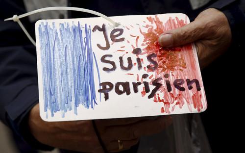 <p><strong>Серия терактов в Париже 13 ноября</strong></p>  <p>Крупнейшая террористическая атака на Францию в истории страны. По предварительным данным, погибли 128 человек, 99 ранены или находятся в тяжелом состоянии. До этого крупнейшим терактом считался сход с рельсов&nbsp;поезда, следовавшего из Страсбурга в Париж, организованный 18 июня 1961 года&nbsp;ультраправой Секретной вооруженной организацией (Organisation de l&#39;armee secrete). Тогда погибли 28 человек, более ста пострадали</p>