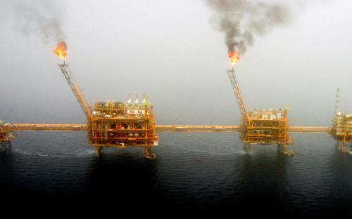 Иранская платформа добычи нефти