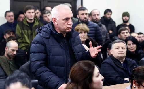 Лидер оппозиционной партии «Амцахара» Алхас Квициниа на заседании Верховного суда Абхазии
