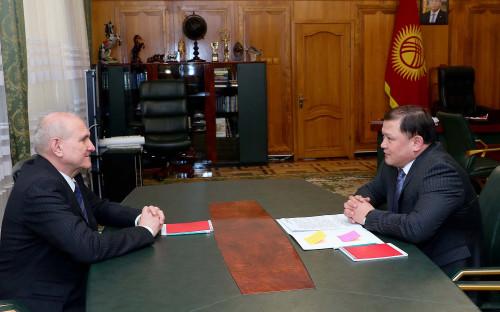 Встреча посла России со спикером парламента Киргизии
