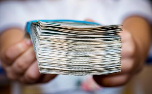 ЦБ порекомендовал банкам раскрывать клиентам их долговую нагрузку