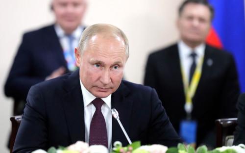 Трамп заявил о «переигравшей» Обаму России