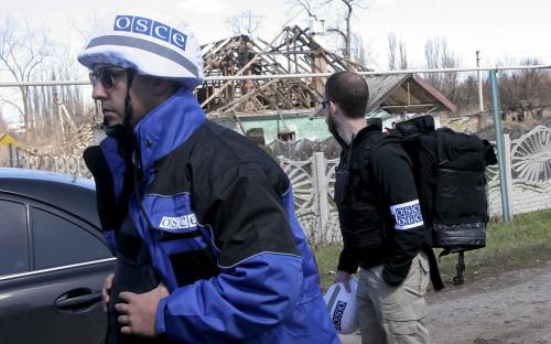 <p>Сотрудники ОБСЕ на Украине. Апрель 2015 года</p>  <p></p>
