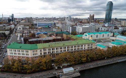 Вид на здание бывшего приборостроительного завода