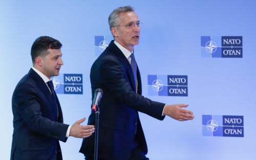 Владимир Зеленский и Йенс Столтенберг (слева направо)