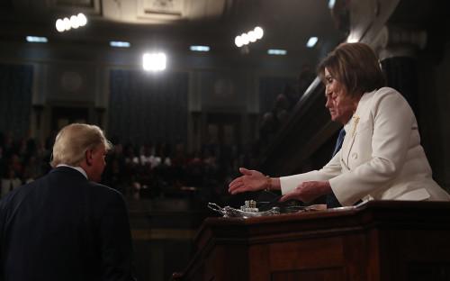 Пелоси разорвала копию речи Трампа после его выступления в конгрессе