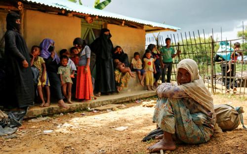 <p>Мусульмане-рохинджа в лагере беженцев в Бангладеше. 29 августа 2017 года</p>  <p></p>