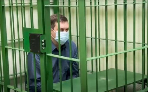 Начальник котлотурбинного цеха ТЭЦ-3 АО «НТЭК» Вячеслав Старостинво время допроса сотрудниками СК РФ
