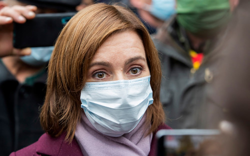 Майя Санду на акции в Кишиневе против сокращения полномочий президента страны
