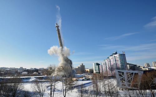 <p>Демонтировать конструкцию решила Уральская горно-металлургическая компания.</p>