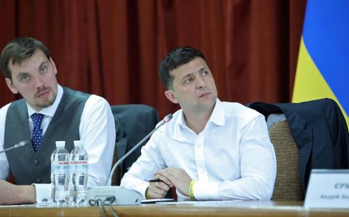 Алексей Гончарук и Владимир Зеленский (слева направо)
