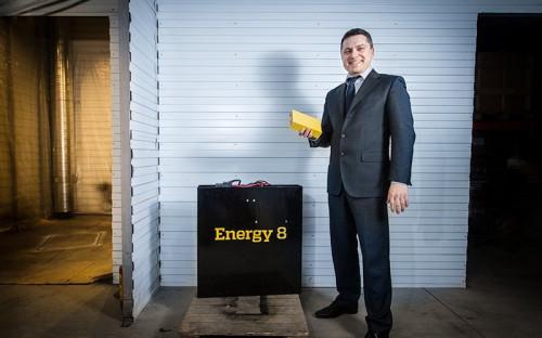 """<p><span style=""""font-size:16px;""""><strong>&laquo;Негативное воздействие на&nbsp;нас оказало снижение курса рубля и&nbsp;общая экономическая нестабильность&raquo;</strong></span></p>  <p>Евгений Титус возглавил компанию &laquo;Эфкон энерджи&raquo; (торговая марка Energy8), специально созданную летом 2013 года, для&nbsp;продвижения <a href=""""http://www.rbc.ru/own_business/02/02/2015/54c64c109a7947206c88e363"""">литий-ионных аккумуляторов собственной разработки</a> на&nbsp;российском рынке. Они активно используются в&nbsp;работе складской техники, приходя на&nbsp;смену тяжелым и&nbsp;менее эффективным свинцовым&nbsp;аккумуляторам.</p>  <p>В 2014 году Energy8 продала 51 накопитель, а&nbsp;в&nbsp;2015 году надеялась продать 200 штук, увеличив выручку с&nbsp;20 до&nbsp;100 млн&nbsp;руб.&nbsp;Но, как&nbsp;рассказал глава компании, эти планы не&nbsp;сбылись.&laquo;Рынок сейчас переживает тяжелые времена: негативное воздействие на&nbsp;нас оказало снижение курса рубля и&nbsp;общая экономическая нестабильность, поэтому выручка выросла ниже&nbsp;наших прогнозов&raquo;,&nbsp;&mdash; рассказал РБК Титус. Он не&nbsp;называет объем продаж по&nbsp;итогам года, но&nbsp;говорит, что&nbsp;его рост составил всего 10% к&nbsp;2014-му</p>  <p>&laquo;Наша компания решила использовать это время для&nbsp;создания новых видов продукции и&nbsp;выхода на&nbsp;новые рынки,&nbsp;&mdash; рассказывает Титус.&nbsp;&mdash; Мы создали новую литий-титанатную батарею Energy8 LTO и&nbsp;новый накопитель для&nbsp;электротехники в&nbsp;аэропортах&raquo;. По его словам, в&nbsp;2016 году компания надеется выйти с&nbsp;новой батареей на&nbsp;международные рынки.</p>"""