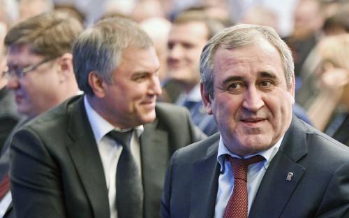 <p>Вячеслав Володин и Сергей Неверов (слева направо в центре)</p>  <p></p>