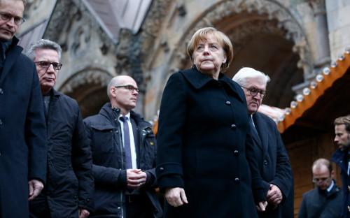 <p>Ангела Меркель и Франк-Вальтер Штайнмайер. Декабрь 2016 года</p>  <p></p>