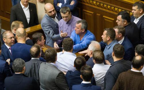 <p>Потасовка между депутатами Рады</p>  <p></p>