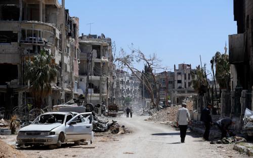 """<p>Информация о возможной химической атаке в регионе появилась 7 апреля. По <a href=""""https://www.rbc.ru/politics/08/04/2018/5ac96b8f9a79472a5ceef7aa"""">сообщению</a> экспертов Сирийско-американского медицинского общества (SAMS), ВВС Сирии применили химическое оружие против повстанцев в северо-восточном пригороде Дамаска Думе, где в последние недели шли столкновения правительственных сил и вооруженной оппозиции.</p>"""