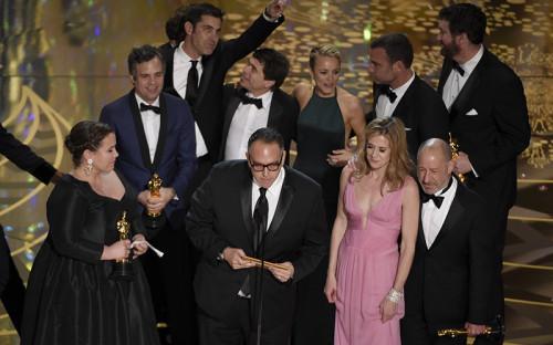 Майкл Шугар иего коллеги получают «Оскар» вноминации «Лучший фильм» за картину«В центре внимания»