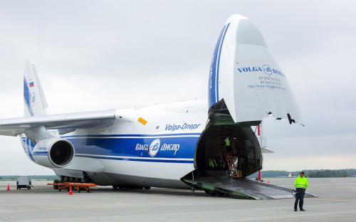 Самолет Ан-124 «Руслан» авиакомпании «Волга-Днепр» во время презентации в аэропорту Домодедово