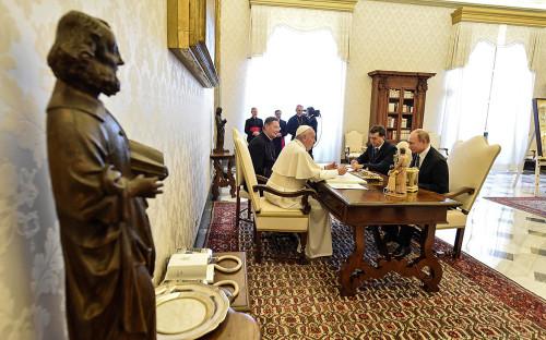 Папа римский Франциск иВладимир Путин