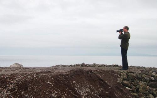 Дмитрий Медведев во время посещения острова Итуруп на Курилах