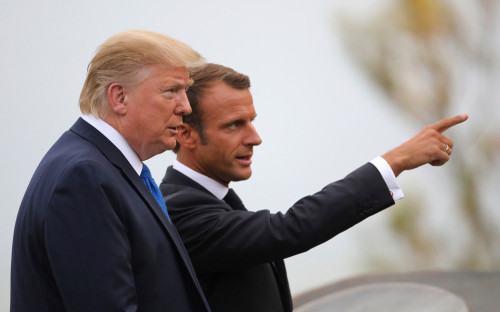 Дональд Трамп и Эмманюэль Макрон (слева направо)