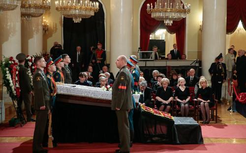 Во время церемонии прощания с Евгением Примаковымв Колонном зале Дома союзов