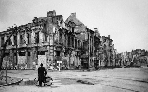 Варшава. Октябрь 1945 года