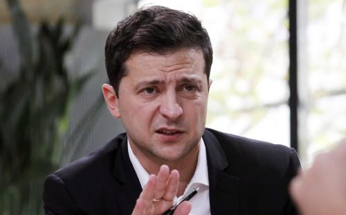 Зеленский приехал в Донбасс и поспорил с добровольцами