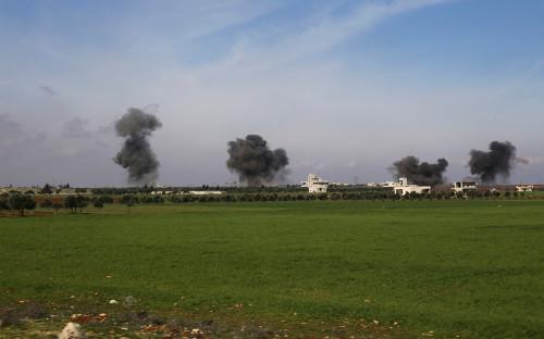 Последствия авиаудара в Идлибе
