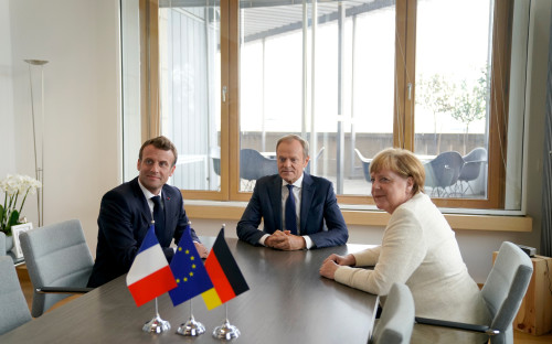 Эмманюэль Макрон, Дональд Туск и Ангела Меркель