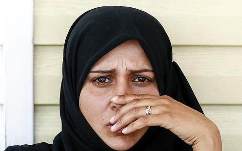 """<p>Одной из&nbsp;главных тем прошедшей 71-й сессии Генассамблеи ООН стал конфликт в&nbsp;Сирии и&nbsp;ситуация с&nbsp;беженцами. &laquo;Хотя многие конфликты причиняют огромную боль, ни&nbsp;один из&nbsp;них не&nbsp;привел к&nbsp;такому количеству жертв, разрушениям и&nbsp;повсеместной нестабильности, как&nbsp;война в&nbsp;Сирии&raquo;,&nbsp;&mdash; <a href=""""http://tass.ru/mezhdunarodnaya-panorama/3635743"""">заявил на&nbsp;пресс-конференции Пан Ги Мун</a>.</p>  <p><em>На фото: </em>женщина в&nbsp;лагере для&nbsp;беженцев на&nbsp;турецко-сирийской границе в&nbsp;провинции Килис, 22 июля 2012 года<br /> &nbsp;</p>"""