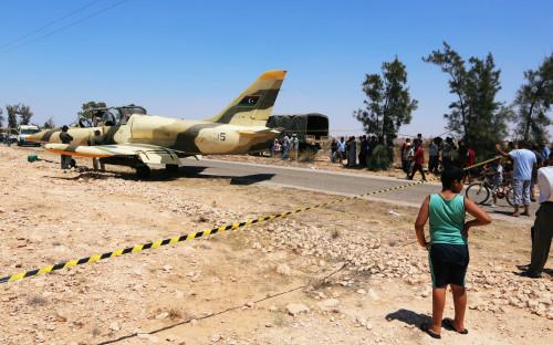 Самолет армии Сараджа