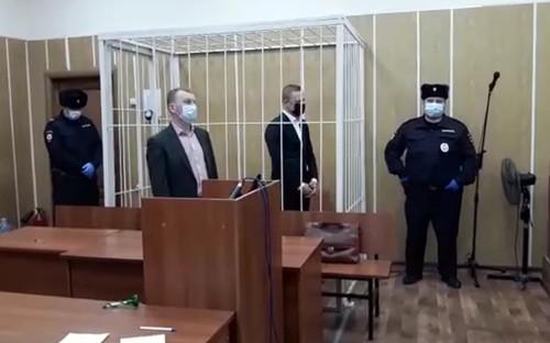 Павел Серватинский (второй справа)