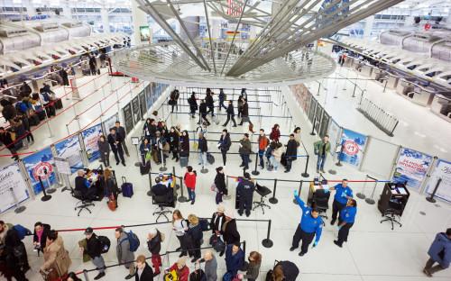 В аэропортах США произошел масштабный сбой системы таможенного контроля 1