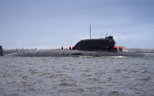 Атомный подводный крейсер четвертого поколения «Казань», построенный по усовершенствованному проекту «Ясень-М», во время церемонии спуска на воду