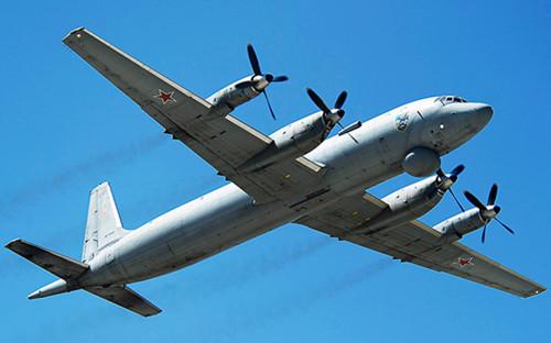 Самолет морской авиации Северного флота Ил-38