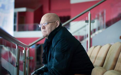 <p>Петров был одним из&nbsp;самых титулованных игроков в&nbsp;истории советского хоккея&nbsp;&mdash;&nbsp;он выиграл девять чемпионатов мира по&nbsp;хоккею, дважды становился олимпийским чемпионом и&nbsp;11 раз&nbsp;брал золото чемпионата Советского Союза в&nbsp;составе ЦСКА. Петров трижды становился лучшим снайпером союзного первенства, а&nbsp;всего в&nbsp;чемпионатах СССР провел 553 игры и&nbsp;забросил 370 шайб.</p>