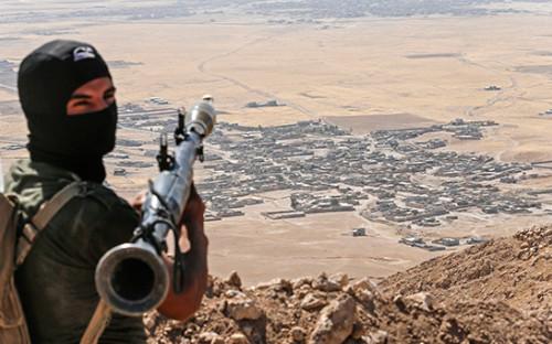 <p>Курдский солдат недалеко от Мосула</p>  <p></p>