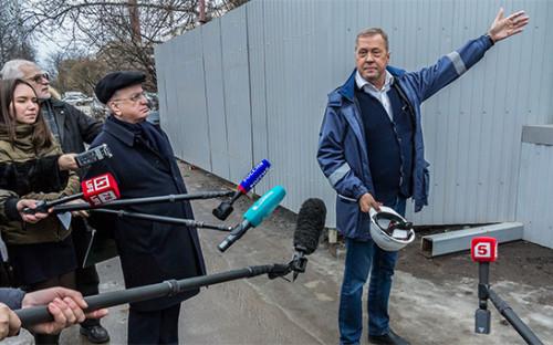 <p>Михаил Пиотровский (слева) и&nbsp;Михаил Новиков</p>