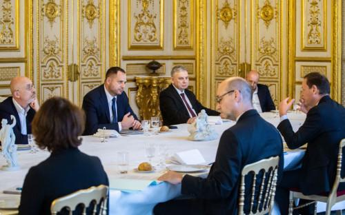 Алексей Резников и Андрей Ермак на встрече в Париже