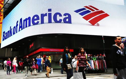 """<b>Bank of America</b><br><br><b>Когда заключили соглашение:</b> 2014 год<br><b>Сколько заплатили:</b> $16,65 млрд<br><b>С кем договорились:</b> Министерство юстиции США, нескольких федеральных агентств и шесть штатов.<br><br>Bank of America согласился заплатить властям США $16,65 млрд, чтобы окончательно урегулировать претензии относительно операций банка и приобретенных им в ходе кризиса активов (финансовая фирма Countrywide Financial и банк Merrill Lynch) по облигациям, обеспеченным жилищной ипотекой, которые стали одной из основных причин финансового кризиса 2007-2008 годов.<br><br>Это далеко не первый штраф, который BofA платит американским властям за докризисные нарушения. В 2013 году банк выплатил $11,6 млрд за необеспеченные ипотечные облигации, проданные агентству Fannie Mae в преддверии кризиса 2007-2008 годов. Также банк договаривался с Федеральным агентством жилищного финансирования на сумму $9,5 млрд в 2014 году, с ипотечными агентствами Fannie Mae и Freddie Mac — на $2,8 млрд в 2010 году и со своими инвесторами — на $8,6 млрд в 2011 году. Общая сумма штрафов в отношении самого BofA, с учетом всех предыдущих разбирательств, составляет теперь почти $75 млрд, подсчитала The Wall Street Journal.<br><a href=""""http://top.rbc.ru/economics/21/08/2014/944261.shtml"""">Читать полностью</a>"""