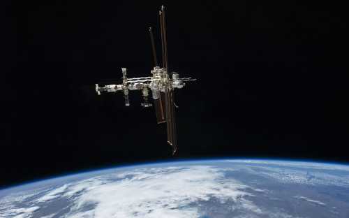 <p>Международная космическая станция</p>